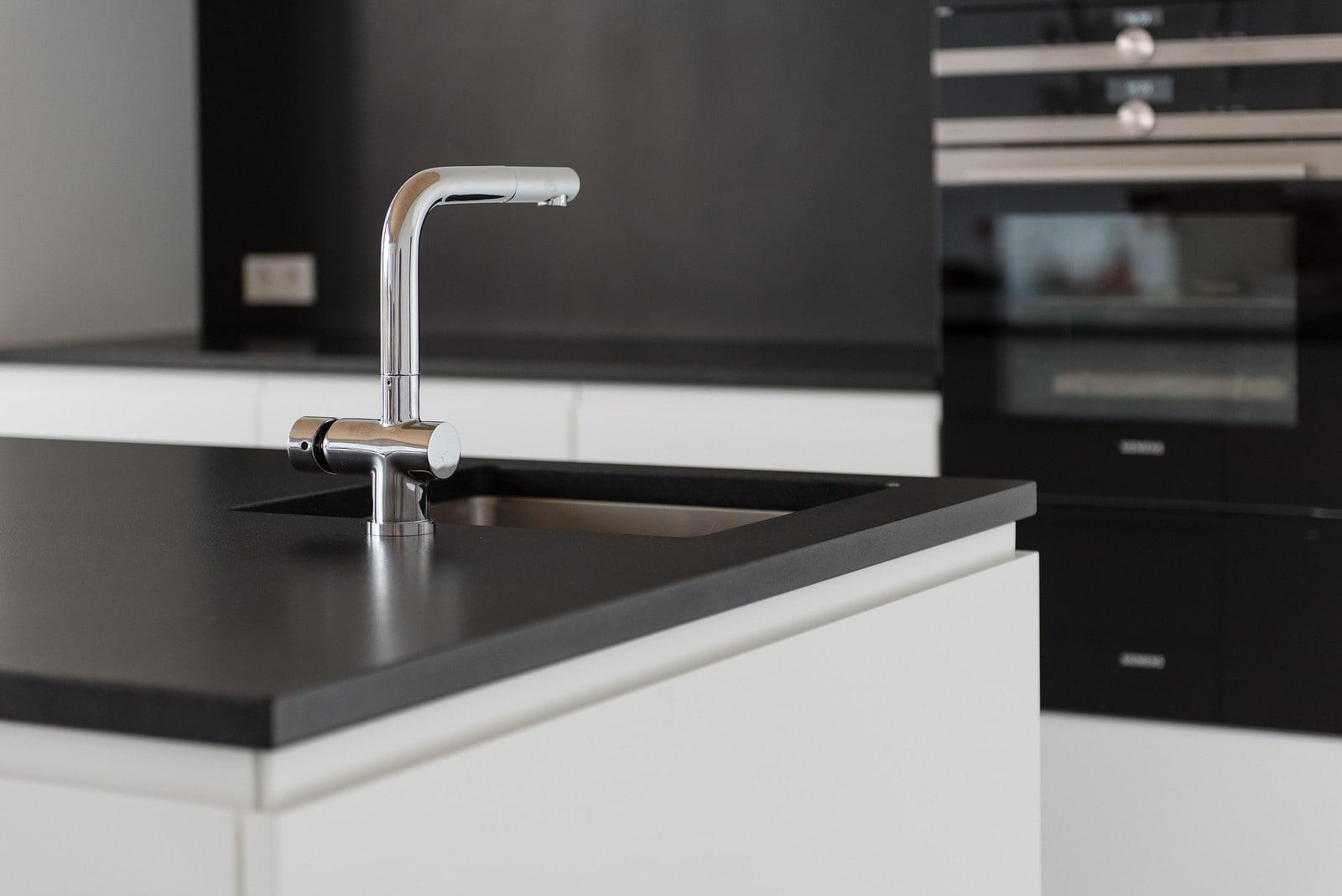 Naturstein Küchenarbeitsplatten nach Maß | STRACK DESIGN